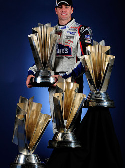 2009 and 4th time NASCAR Sprint Cup Series champion Jimmie Johnson poses for the official championship photo