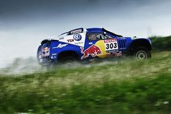Volkswagen Race Touareg 2 roll-out: #303 Volkswagen: Carlos Sainz and Lucas Cruz Senra