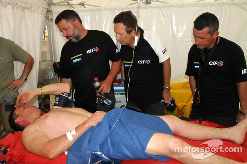 David Casteu fuera del Dakar con una lesión en la pierna