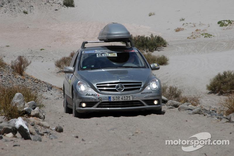 Auto de prensa #941 Mercedes-Benz Clase-R media car