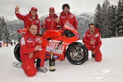 Ducati Desmosedici GP10, lanzamiento