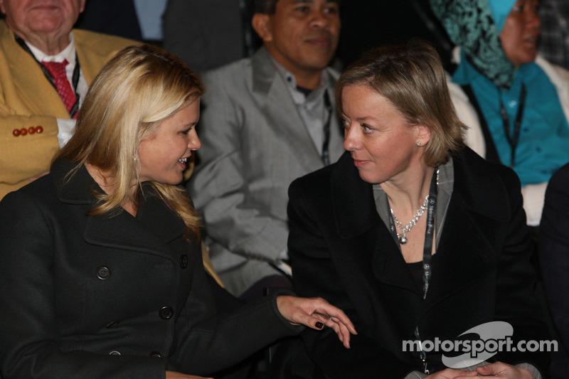 Corina Schumacher ve Sabine Kehm
