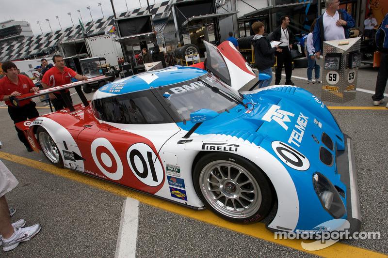 #01 Chip Ganassi Racing avec Felix Sabates BMW Riley passe à l'inspection technique