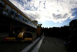 Robert Kubica, Renault F1 Team and Vitaly Petrov, Renault F1 Team
