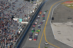Start: James Buescher and Mikey Kile lead the field to the green flag