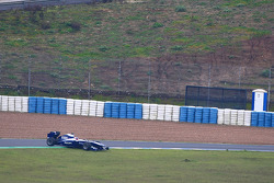 Rubens Barrichello, Williams F1 Team got his car stuck on a curb