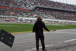 Pace laps: a crew member signals to his driver