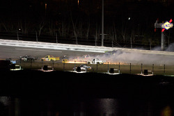 L'accident entre Ricky Carmichael, Ron Hornaday, Donny Lia et Aric Almirola