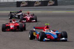 Davide Valsecchi rijdt voor Javier Villa en Luca Filippi