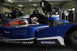 Anthony Davidson teste la Team Peugeot Total Peugeot 908 HDi FAP