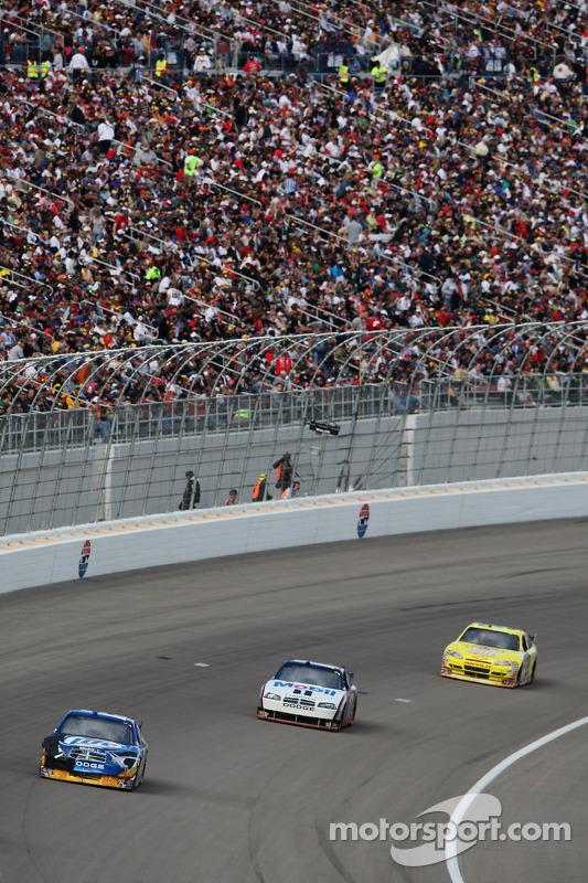 Kurt Busch, Penske Racing Dodge en Sam Hornish Jr., Penske Racing Dodge