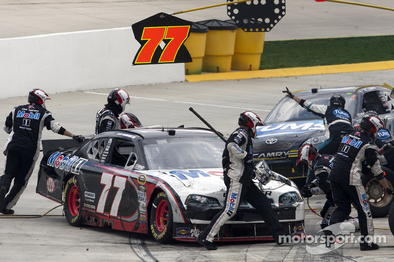 Arrêts aux stands pour Sam Hornish Jr., Penske Racing Dodge