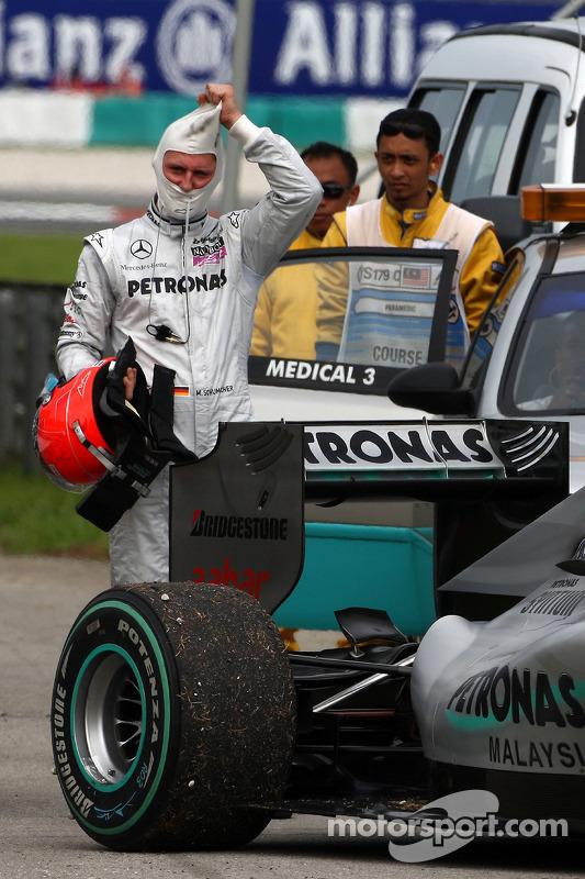 Michael Schumacher, Mercedes GP, stopt op circuit