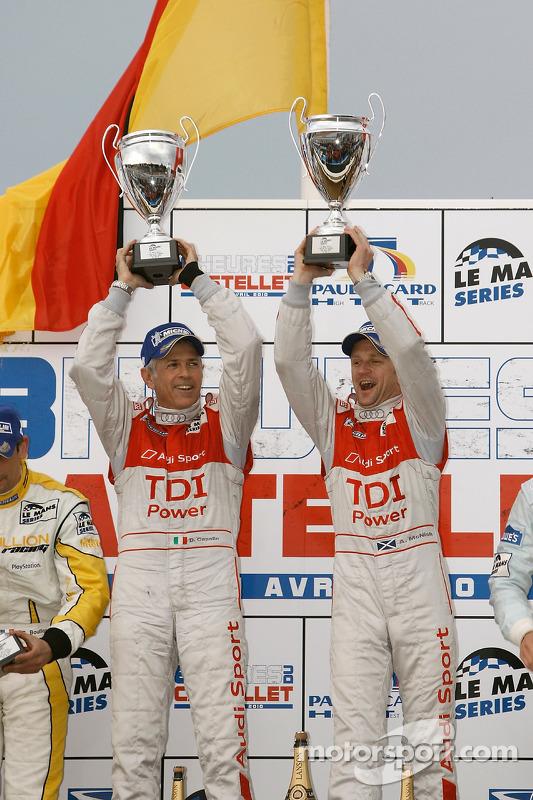 LMP1 podium: klasse en algemeen winnaars Rinaldo Capello en Allan McNish