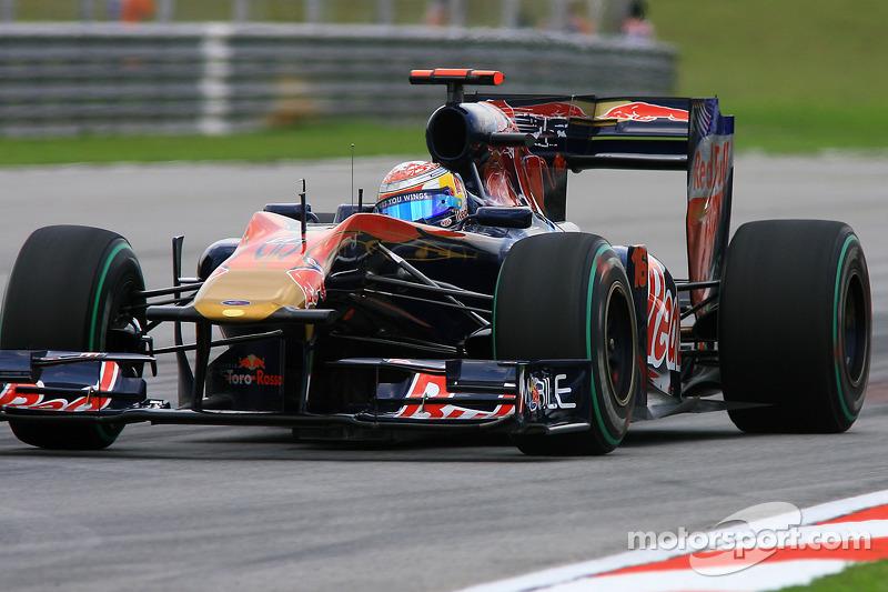 2010: Toro Rosso STR5 Ferrari (одно восьмое место, 9-е место в КК)