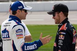 Jimmie Johnson, Hendrick Motorsports Chevrolet et Brian Vickers, Red Bull Racing Team Toyota