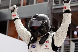 Dean Stoneman, wint race 1