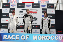 Podium: Second placed Dean Stoneman, race winner Philipp Eng and third placed Will Bratt