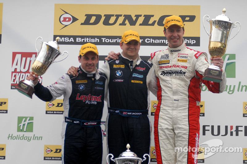 Race 3 Podium: 1ste Mat Jackson, 2de Matt Neal, 3de Steven Kane