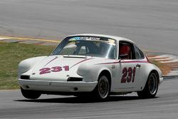 69 Porsche 911: David Bland