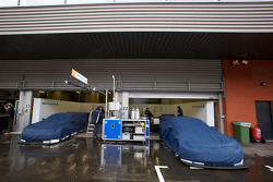 BMW Team Schnitzer pit area