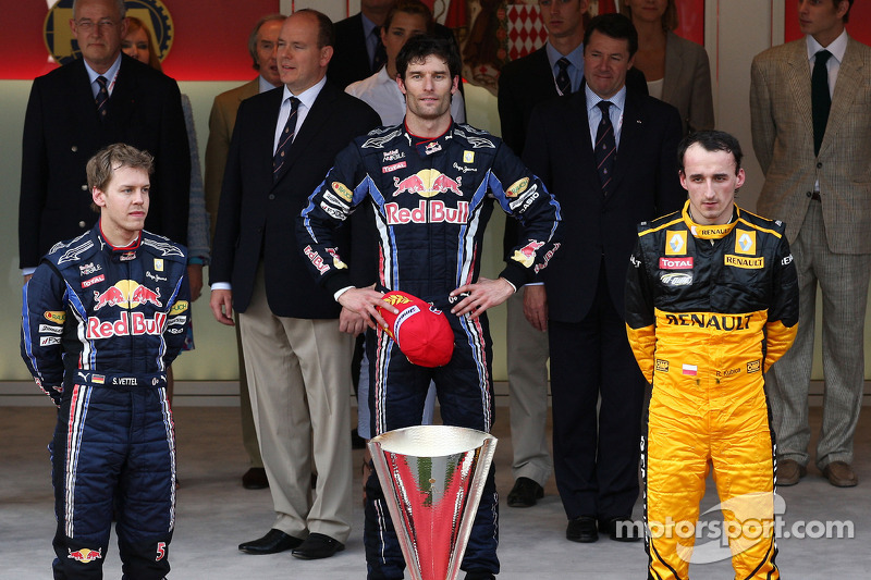 Podium: race winner Mark Webber, Red Bull Racing with second place Sebastian Vettel, Red Bull Racing