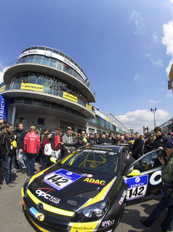 #142 Opel OPC Race Camp Opel Astra OPC on the starting grid