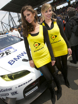 The charming Dunlop girls