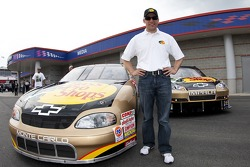 Dale Earnhardt Incorporated et Jamie McMurray annoncent leur voiture Dale Sr. Gold