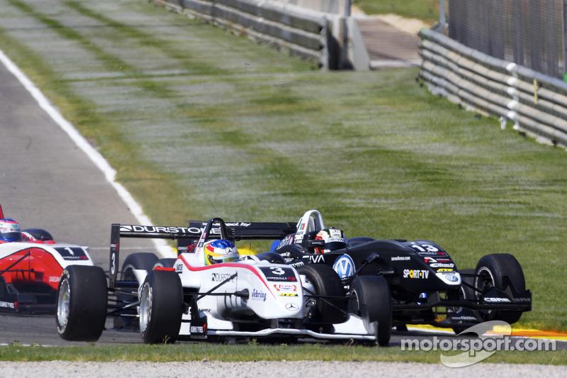 Roberto Merhi, Mücke Motorsport Dallara F308 Mercedes en Antonio Felix da Costa, Motopark Academy Dallara F308 Volkswagen crash