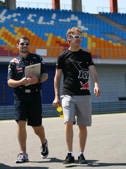 Guillaume Rocquelin, Red Bull Racing Race engineer van Sebastian Vettel met Sebastian Vettel, Red Bull Racing