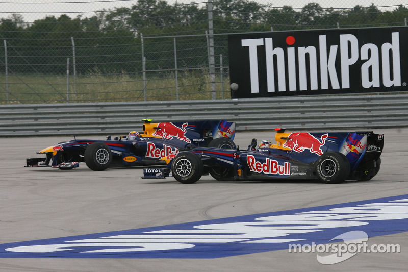 Crash: Mark Webber, Red Bull Racing; Sebastian Vettel, Red Bull Racing