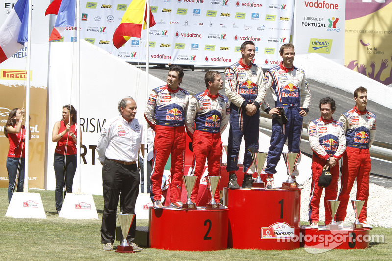 Podium: winnaars Sébastien Ogier en Julien Ingrassia, 2de Sébastien Loeb en Daniel Elena, 3de Dani S