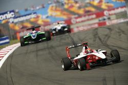Alexander Rossi leads Daniel Morad
