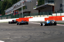 #3 Klaas Zwart, Ascari Benetton B197 F1 and #22 Carlos Antunes Tavares, Dallara Nissan WS