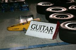 Beschadigde neus van Mario Romancini's Conquest Racing