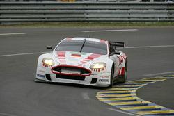 #52 Young Driver AMR Aston Martin DBR9: Christoffer Nygaard, Tomas Enge, Peter Kox