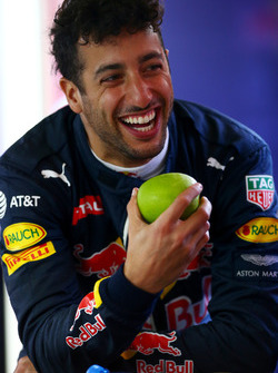 Daniel Ricciardo, Red Bull Racing laughs in the garage