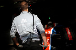 Manor Racing garage atmosfer