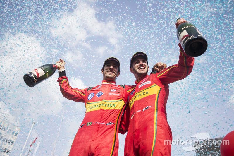 Podio: segundo lugar Daniel Abt, ABT Schaeffler Audi Sport and tercer lugar  Lucas di Grassi, ABT Schaeffler Audi Sport celebran