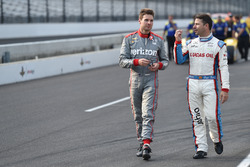 Will Power, Team Penske Chevrolet and Oriol Servia, Schmidt Peterson Motorsports Honda