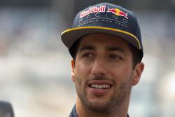 Даниэль Риккардо, Red Bull Racing раздает интервью