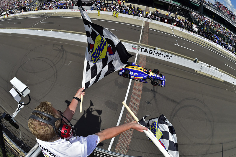 Hoeveel ronden reed Indy 500-winnaar Alexander Rossi in zijn laatste stint?