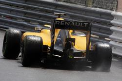 Reifenschaden bei Kevin Magnussen, Renault Sport F1 Team RS16