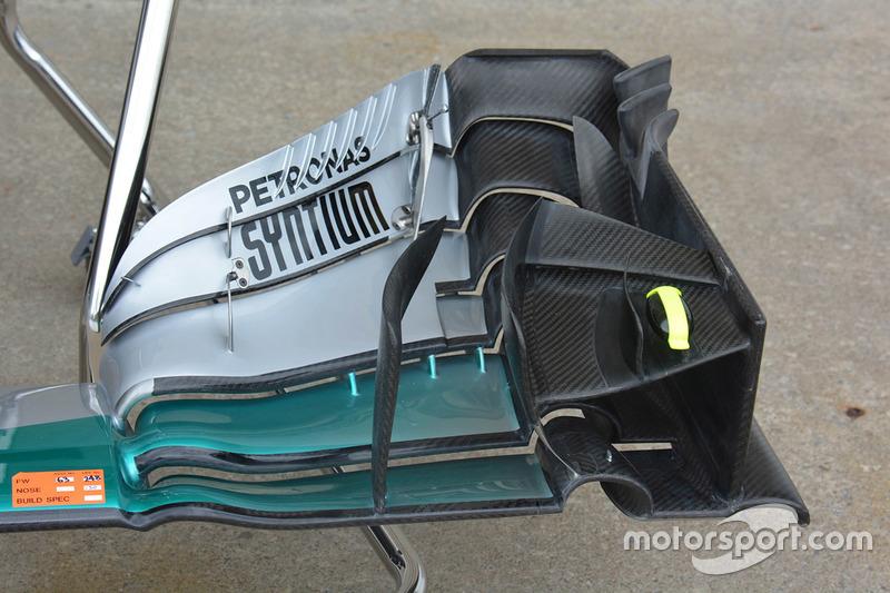 Detalle de ala delantera del Mercedes AMG F1 W07