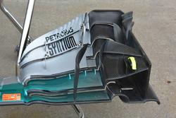 Mercedes AMG F1 W07, dettaglio dell'ala anteriore