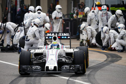 Felipe Massa, Williams FW38 makes a pit stop