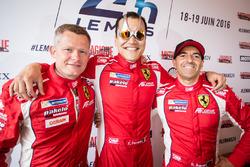 #83 AF CorseFerrari 458 Italia: Фрасуа Перродо, Еммануель Коллар, Руй Агуаш