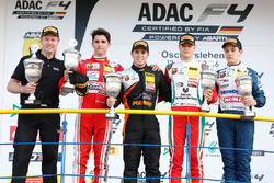 Podium: race winnaar Joseph Mawson, Van Amersfoort Racing, tweede Thomas Preining, Lechner Racing, derde Mick Schumacher, Prema Powerteam