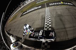William Byron, Kyle Busch Motorsports Toyota takes win